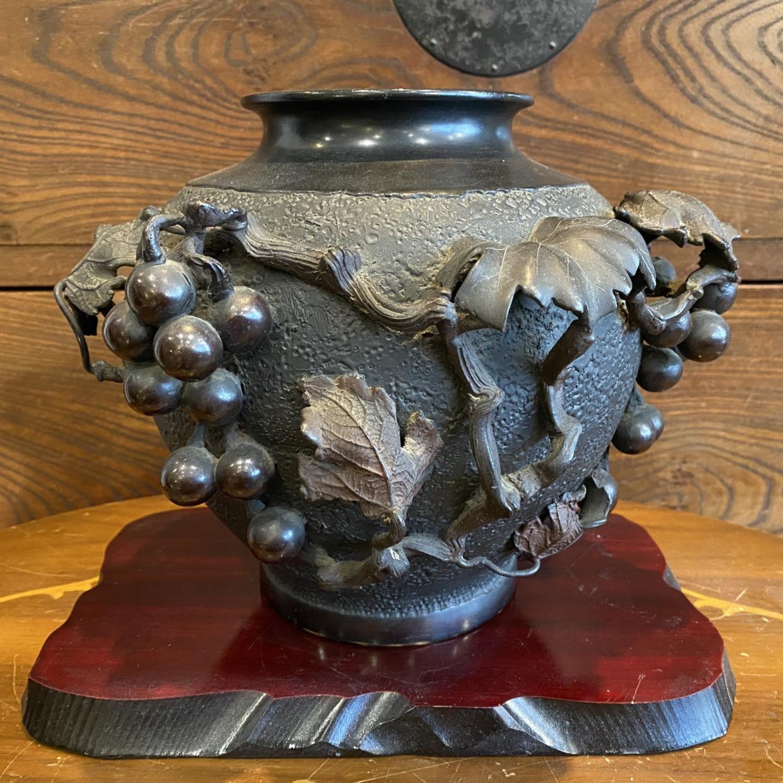 ブドウ 銅製 花瓶