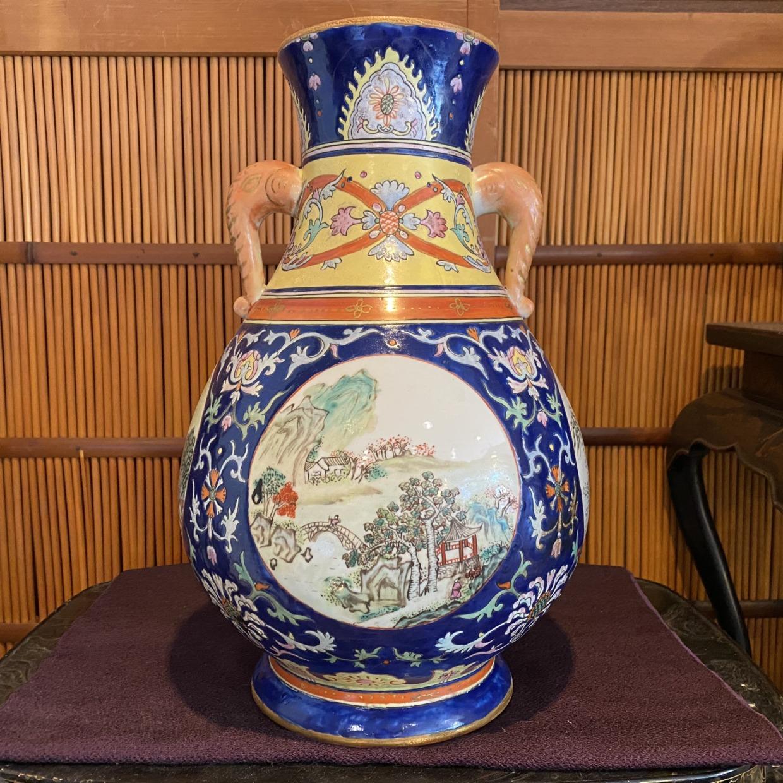 中国製の五彩花瓶